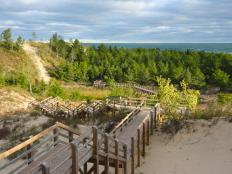 From Lincoln's boyhood home to the relaxing shoreline of Indiana Dunes, there's plenty to do and see in Indiana's National Parks. Travel Channel has the details.