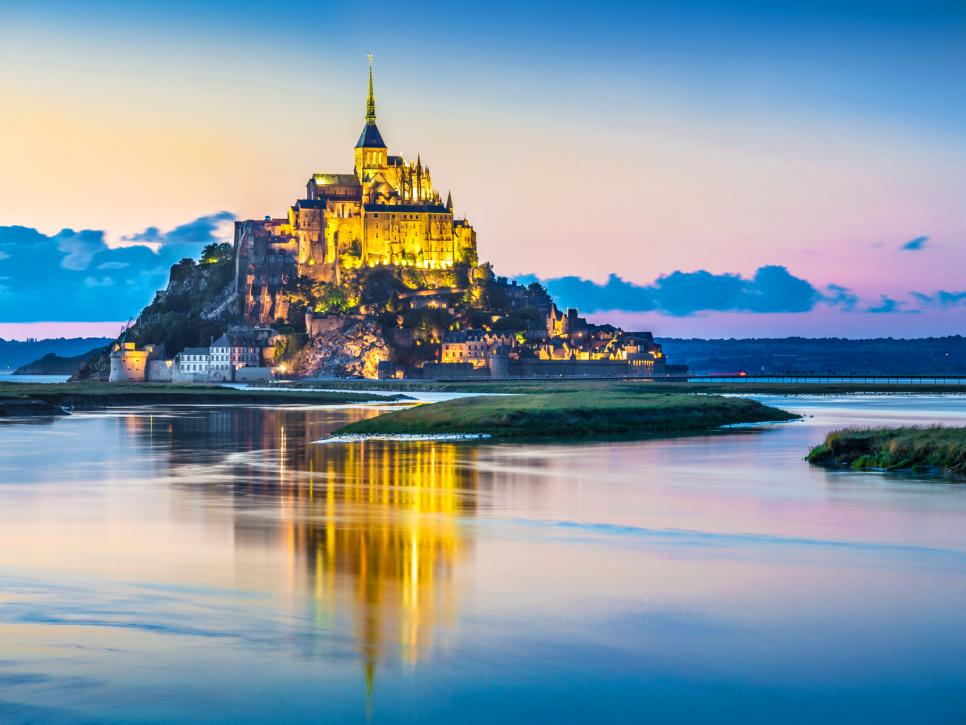 World 39 s 10 most captivating castles travel channel for World popular images
