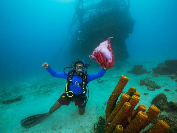 PADI Diving for Trash in Barbados