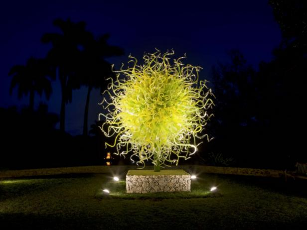 A sculpture in the exhibition Chihuly in the Garden