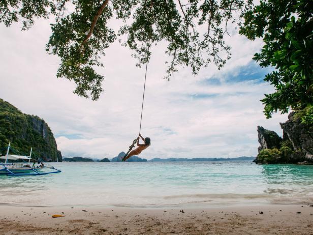 World Traveler Amelle Lozada in Philippines