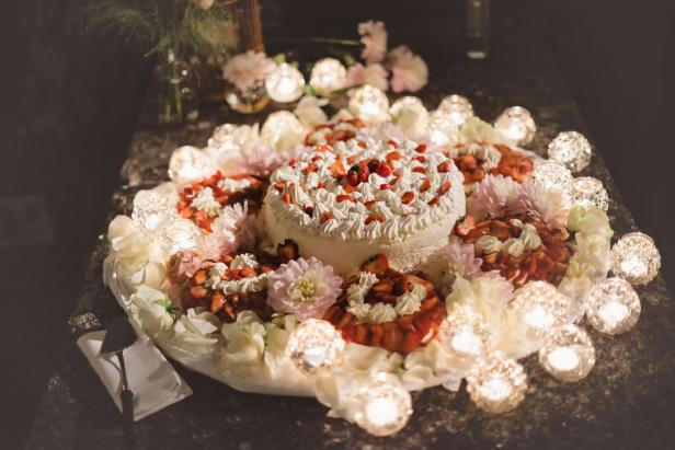 Wedding Traditions and Cakes