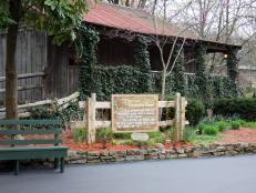 Cabin Replica Dollywood