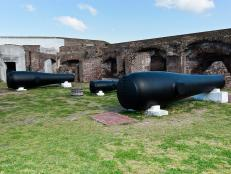 Immerse yourself in Charleston's rich culture, and visit a few historic destinations, including Fort Sumter, the H.L. Hunley Submarine and the Old Exchange and Provost Dungeon.