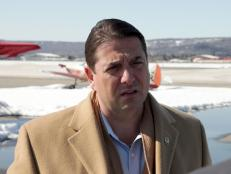 Steve speaks with a flight expert