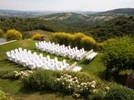Destination Wedding: Castello Di Vicarello
