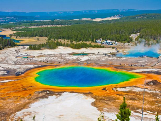 yellowstone, grand prismatic springs, wyoming, top 10 natural wonders