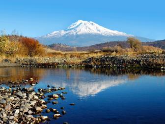 mount shasta reflection, daylight, blue sky, lake