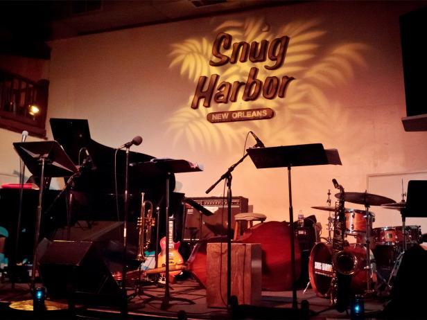 Snug Harbor, jazz bistro, stage, New Orleans, Louisiana
