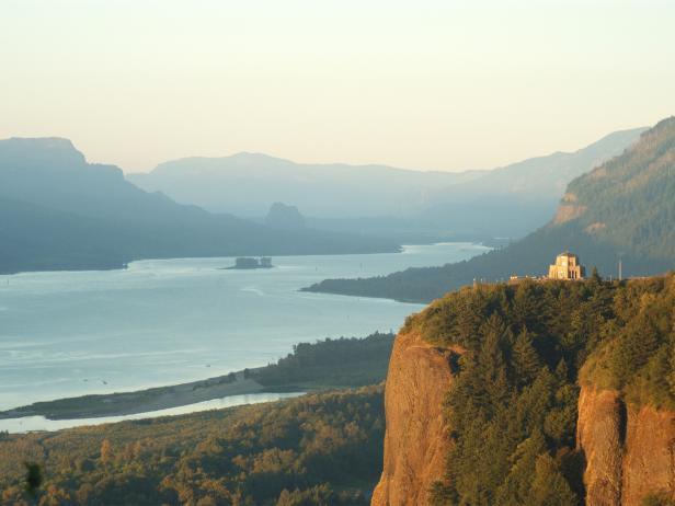scenic area, Columbia River Gorge, Oregon