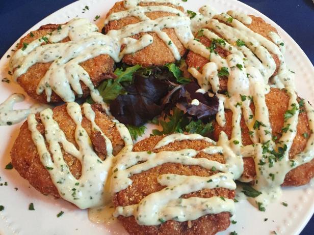 Morris House, restaurant, crab cakes, Cheyenne Frontier Days