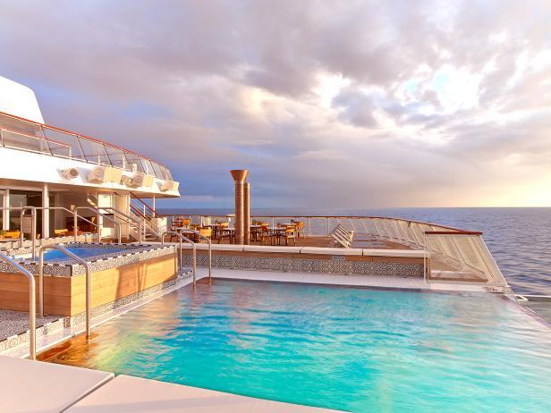 Viking Star, Aquavit Terrace, infinity pool