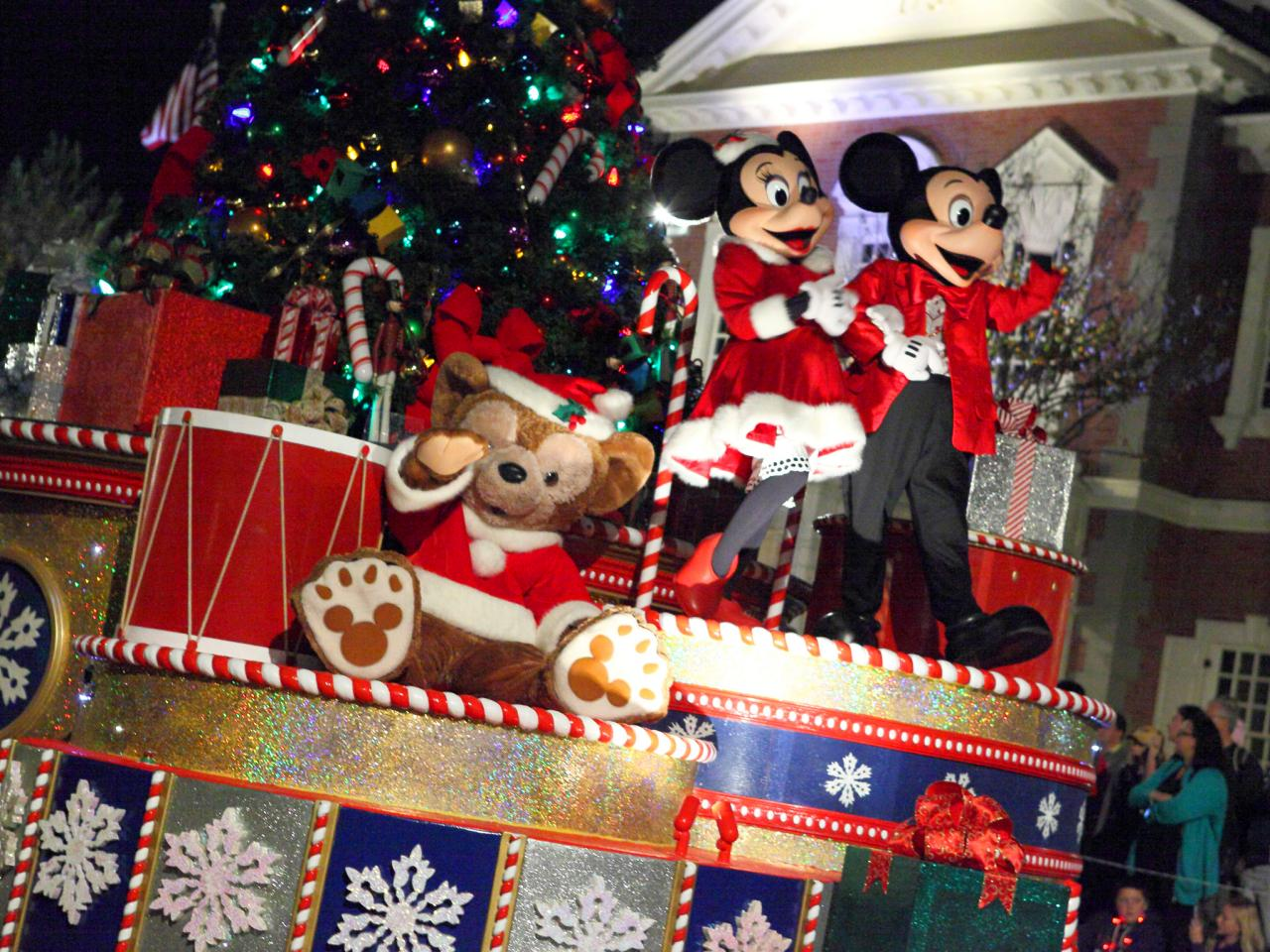 top 7 theme parks for the holidays travelchannel com travel