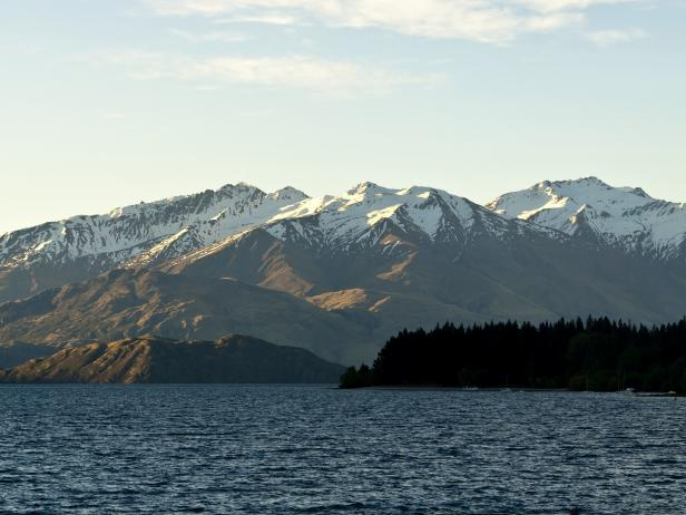 Wanaka, New Zealand, skiing, snowboarding, mountain, lake