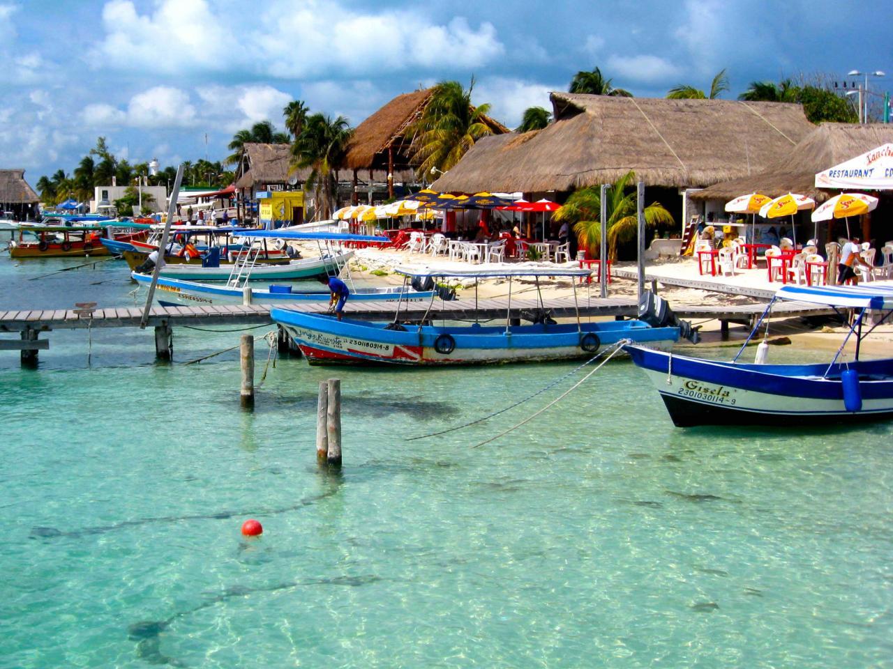 Isla Cancun Mexico