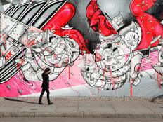 Top global destinations for amazing street art.
