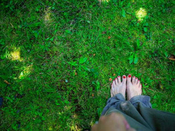 Bare feet in nature at Stowe Mountain Lodge in Vermont