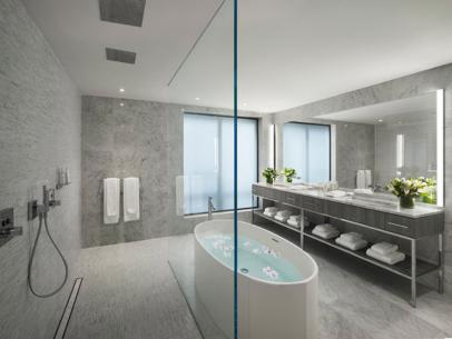11 Over-the-Top Luxury Hotel Bathrooms