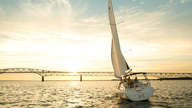 Learn to sail at Stingray Point Sailing School