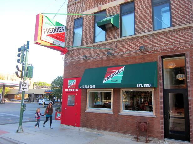 Exterior of Freddie's Pizza in Chicago, Illinois