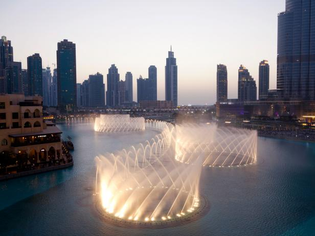 dancing fountains, Dubai, United Arab Emirates