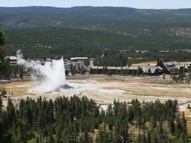 Old Faithful, geyser, Yellowstone National Park