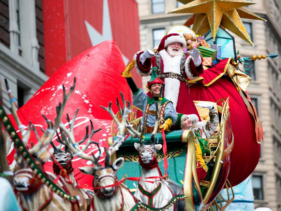 Christmas Day Parade.Christmas In Nyc What To Do During The Holidays Travel