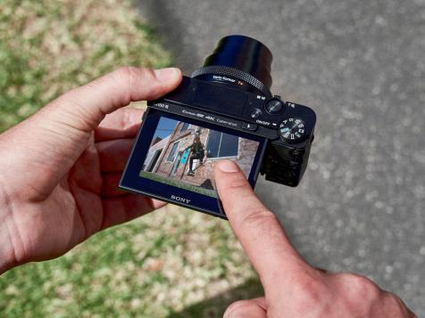 12 Best Compact Cameras for Travel